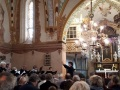 Kantorei Broder Hinrick singt in Rerik während ihrer Konzertreise 2018 im Gottesdienst.